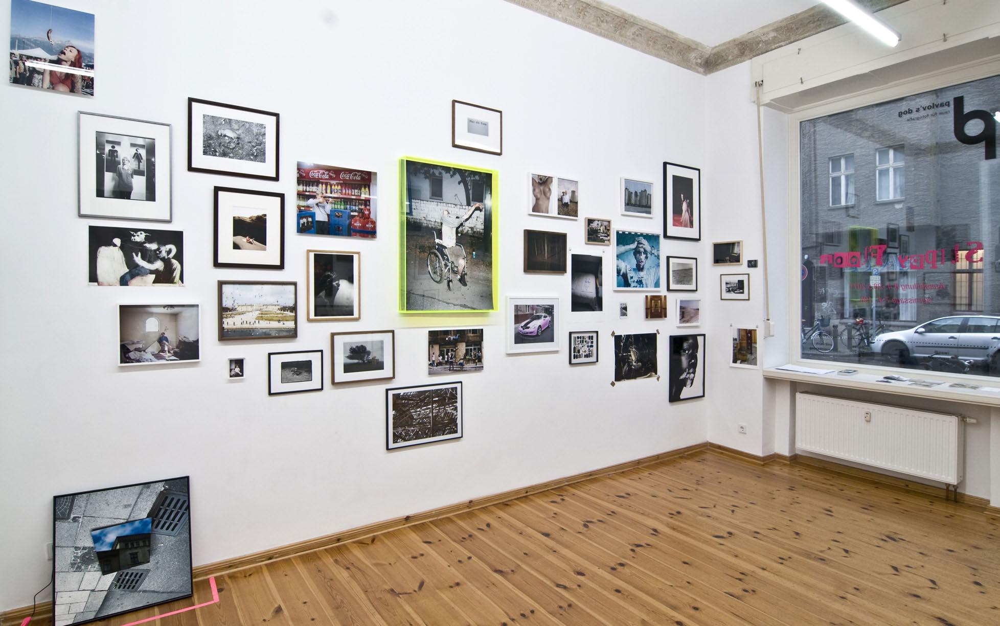 """""""Slippy Floor"""", eine der ersten Ausstellungen in der Galerie pavlov's dog (2011)"""